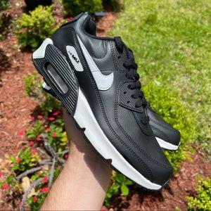 "Nike Air Max 90 ""White Black"""
